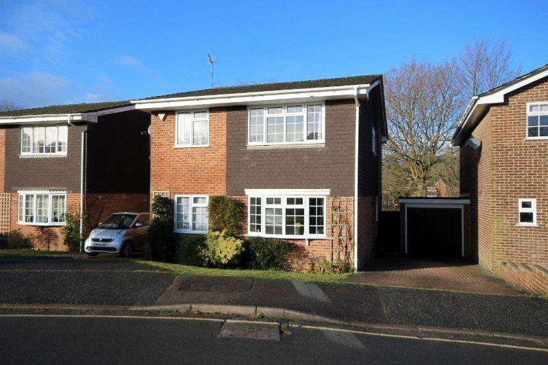 4 Bedrooms Detached House for sale in Drummond Close, Haywards Heath