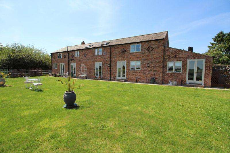 3 Bedrooms Semi Detached House for sale in Burgess Lane, Wrexham