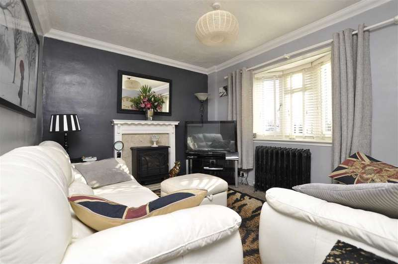 3 Bedrooms Semi Detached House for sale in East Warren Cottage, Roxwell Road, Chelmsford