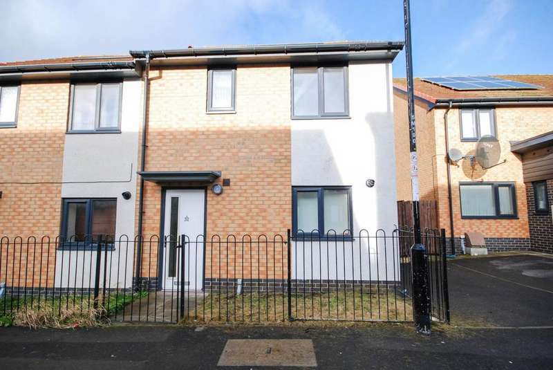 3 Bedrooms Semi Detached House for rent in Moulton Place, Blakelaw
