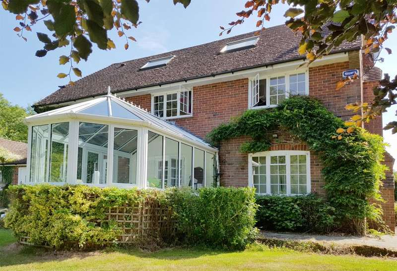 5 Bedrooms Farm House Character Property for rent in Goudhurst