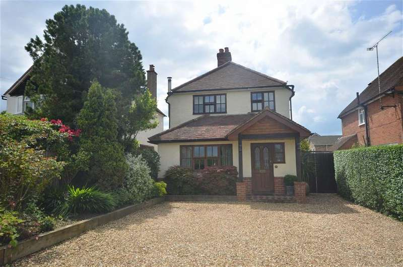 4 Bedrooms Detached House for sale in Green Lane, Farnham