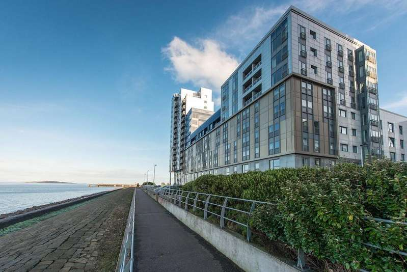 4 Bedrooms Penthouse Flat for sale in Western Harbour Breakwater, Edinburgh, Midlothian