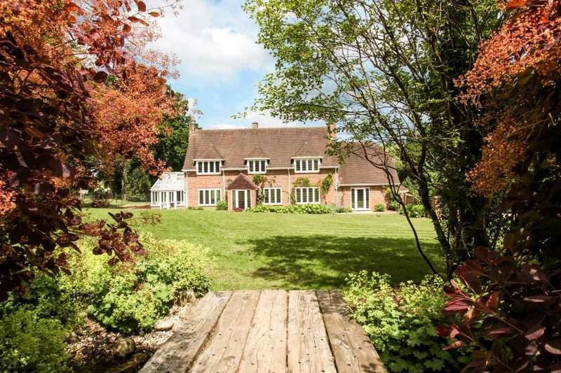 4 Bedrooms Detached House for sale in Westwood Road, Windlesham, Surrey, GU20
