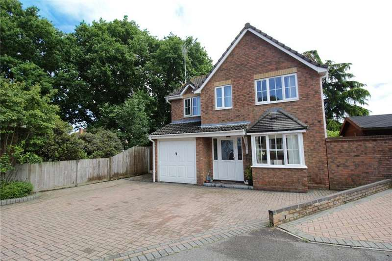 4 Bedrooms Detached House for sale in Glenwood Gardens, Langdon Hills, Essex, SS16
