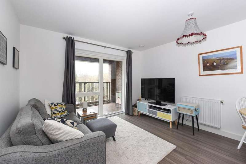 1 Bedroom Flat for sale in Adenmore Road, Catford