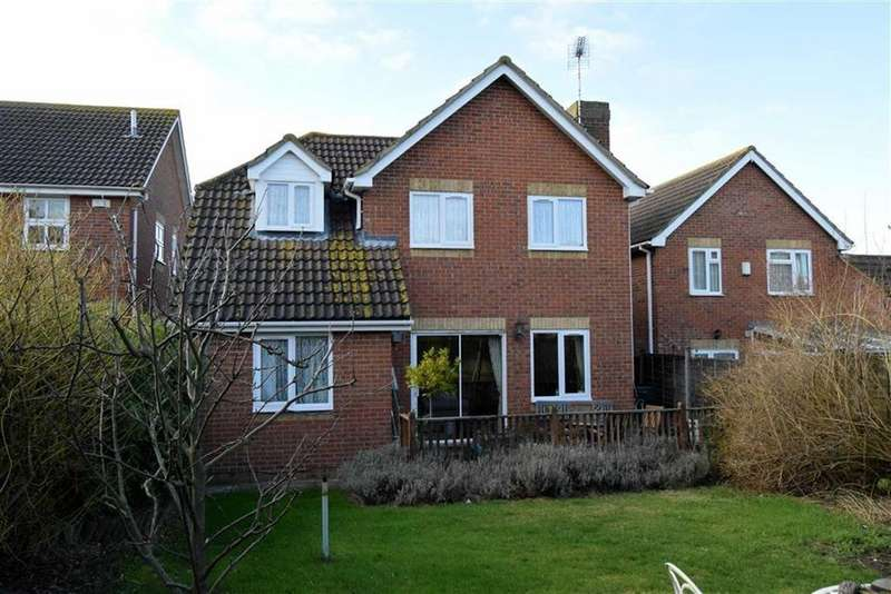 4 Bedrooms Detached House for sale in Pump Lane, Rainham
