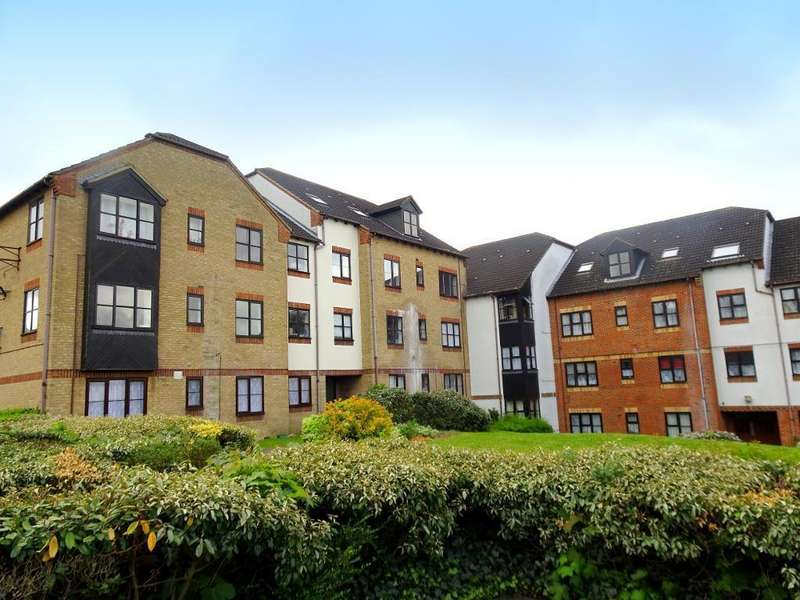 Studio Flat for sale in The Ridings, Luton, Bedfordshire, LU3 1BY