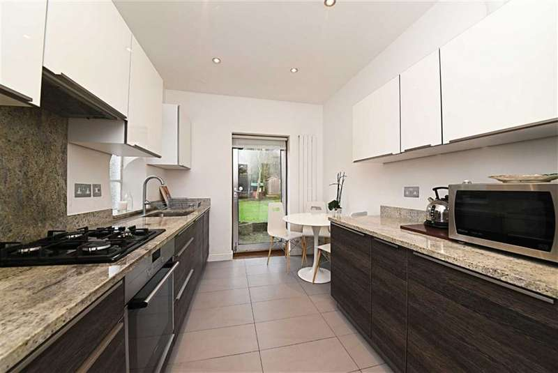 3 Bedrooms Semi Detached House for sale in Holyoake Walk, Hampstead Garden Suburb, London, N2