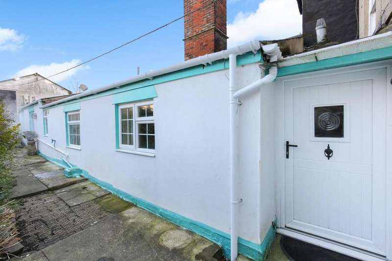 1 Bedroom Detached Bungalow for sale in Rear of George Street, Warminster