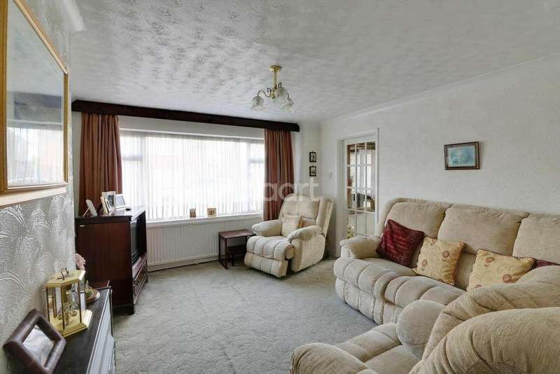 3 Bedrooms Semi Detached House for sale in Carterweys, Dunstable, LU5