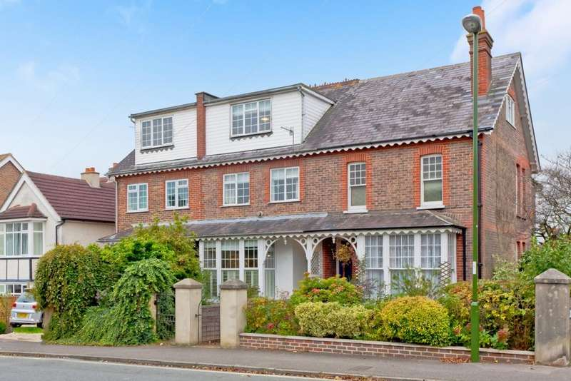5 Bedrooms House for sale in Haywards Road, Haywards Heath, RH16