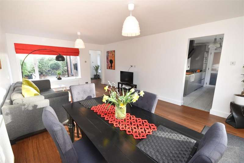 3 Bedrooms Detached House for sale in Trent Boulevard, West Bridgford, Nottingham