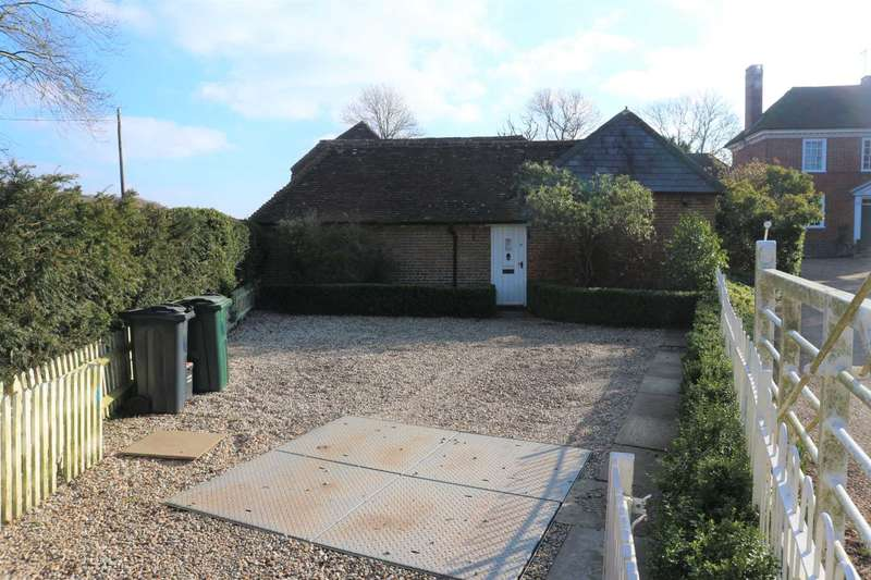 2 Bedrooms Semi Detached House for rent in Periton Lodge, Westwell
