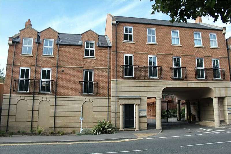 2 Bedrooms Flat for sale in Parklands Court, Eaglescliffe