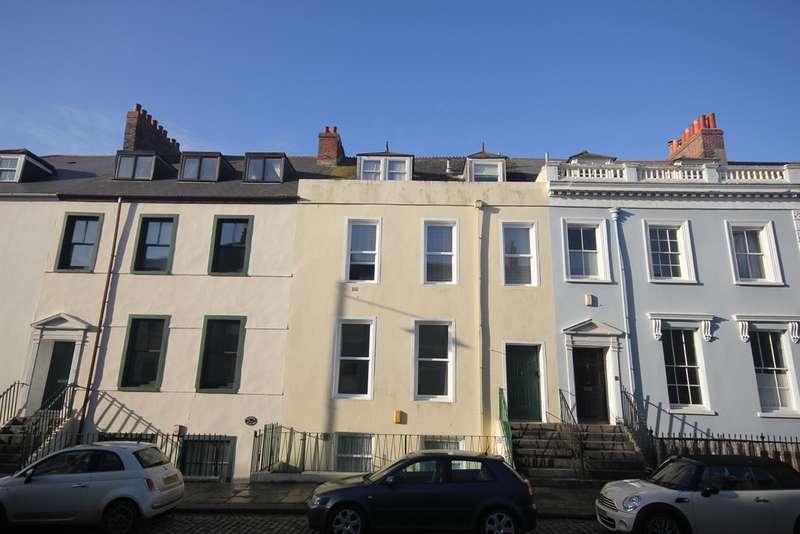 3 Bedrooms Maisonette Flat for rent in Durnford Street, Stonehouse PL1
