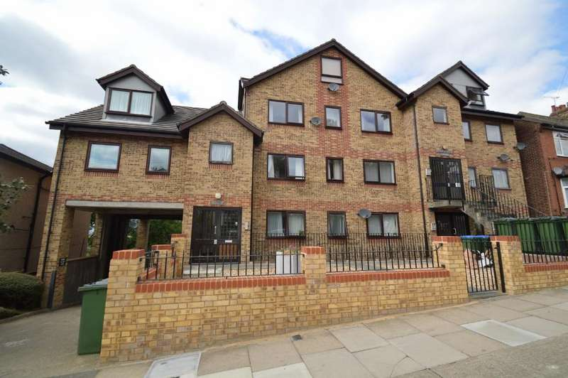 2 Bedrooms Flat for sale in Cantwell Road, Shooters Hill, London SE18