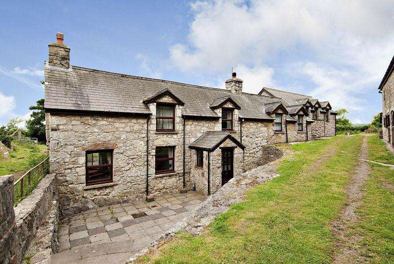 3 Bedrooms Farm Commercial for sale in Trawscoed Road, Llysfaen, Colwyn Bay, Clwyd, LL29