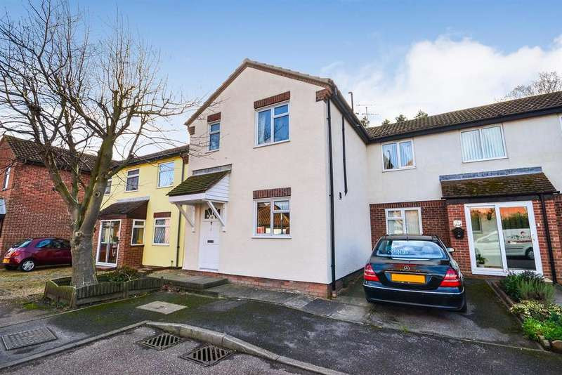 2 Bedrooms Terraced House for sale in Falklands Road, Burnham-on-Crouch