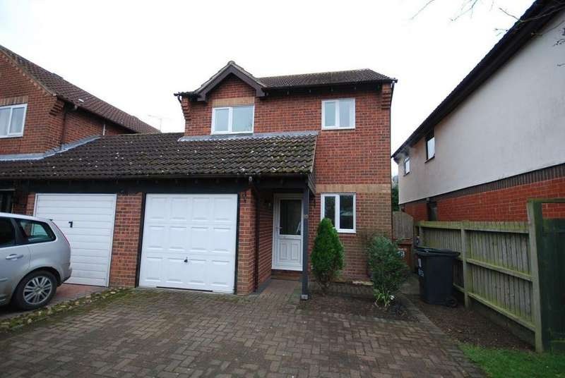 3 Bedrooms House for rent in Walnut Road, Bottesford