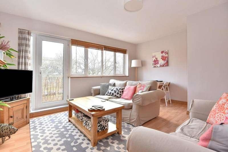 2 Bedrooms Flat for sale in Longfield Crescent, Sydenham