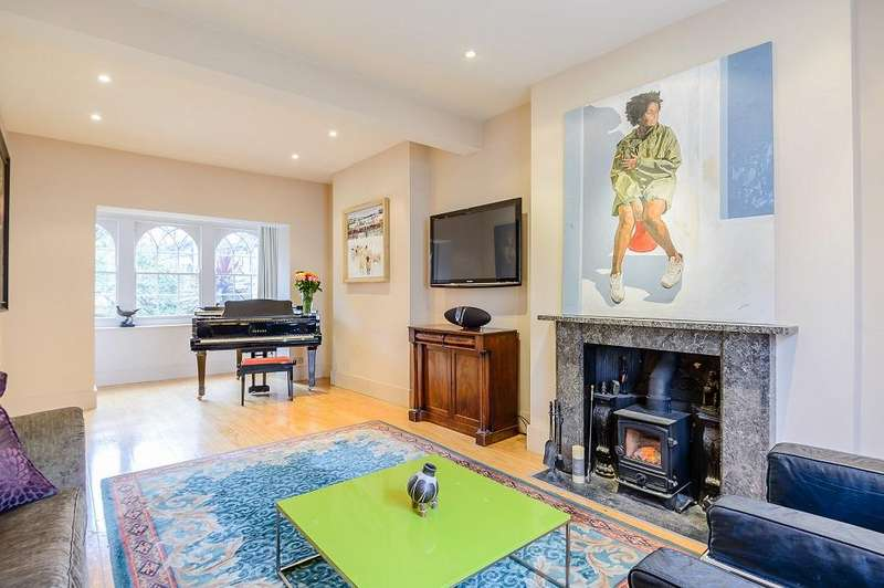 4 Bedrooms Terraced House for sale in St Peters Street, London n1