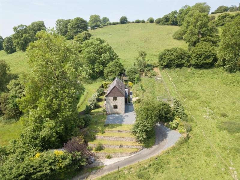 4 Bedrooms Barn Conversion Character Property for sale in Tyn-Y-Cefn Barn, Lloyney, Knighton, Powys, LD7