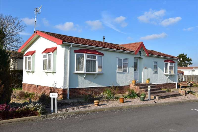 3 Bedrooms Detached Bungalow for sale in Willowbrook Park, Lancing, West Sussex, BN15