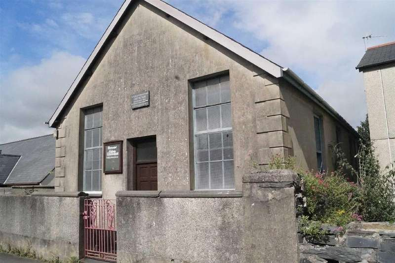 Town House for sale in Porthmadog