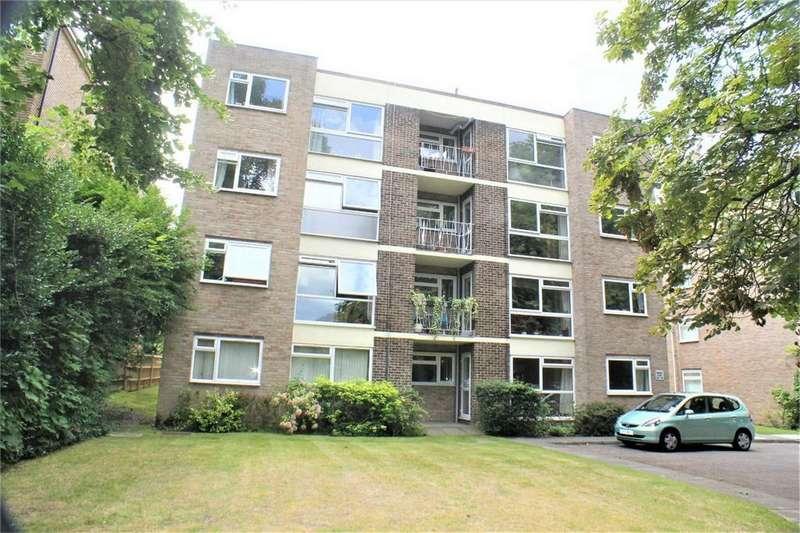 2 Bedrooms Flat for sale in 15 Brackley Road, Beckenham