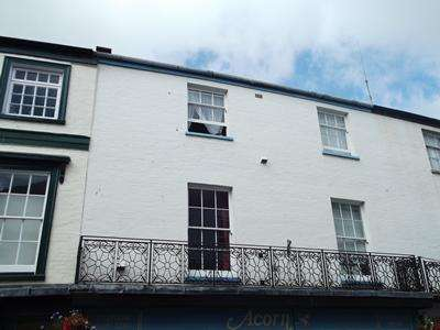 2 Bedrooms Flat for rent in Victoria Place, Axminster