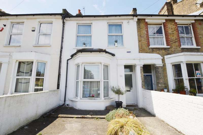 3 Bedrooms Terraced House for sale in Nunhead Grove London SE15