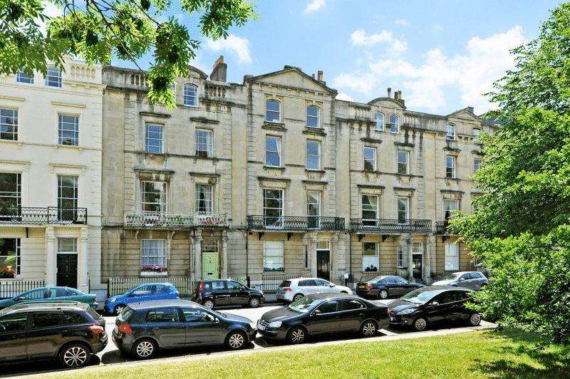 2 Bedrooms Apartment Flat for sale in Gloucester Row, Clifton