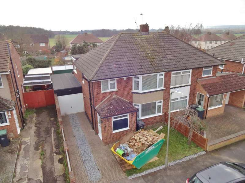 3 Bedrooms Semi Detached House for sale in Whitehouse Crescent, Burham