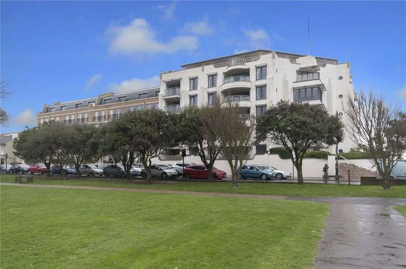 2 Bedrooms Flat for sale in Warnes, Steyne Gardens, Worthing, West Sussex, BN11