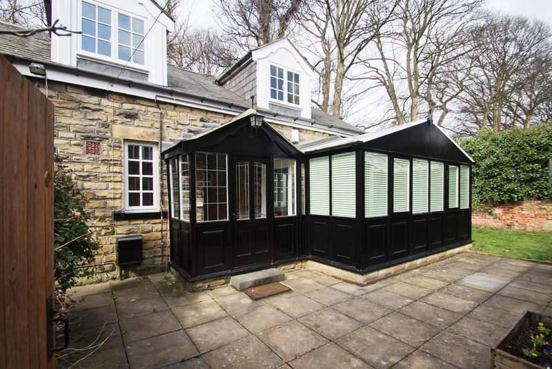 3 Bedrooms Detached House for sale in Honeysuckle Cottage, 47 Cliff Road, Hyde Park, Leeds 6