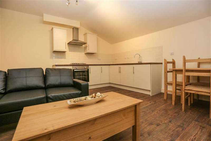 1 Bedroom Flat for rent in Wellington Road South, Shaw Heath, Stockport