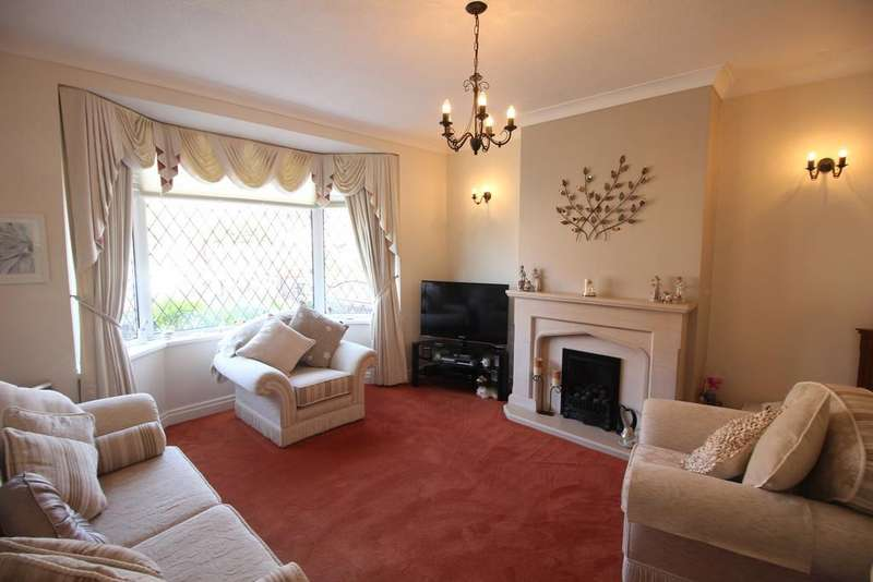 3 Bedrooms Semi Detached House for sale in Beach Road, Fleetwood