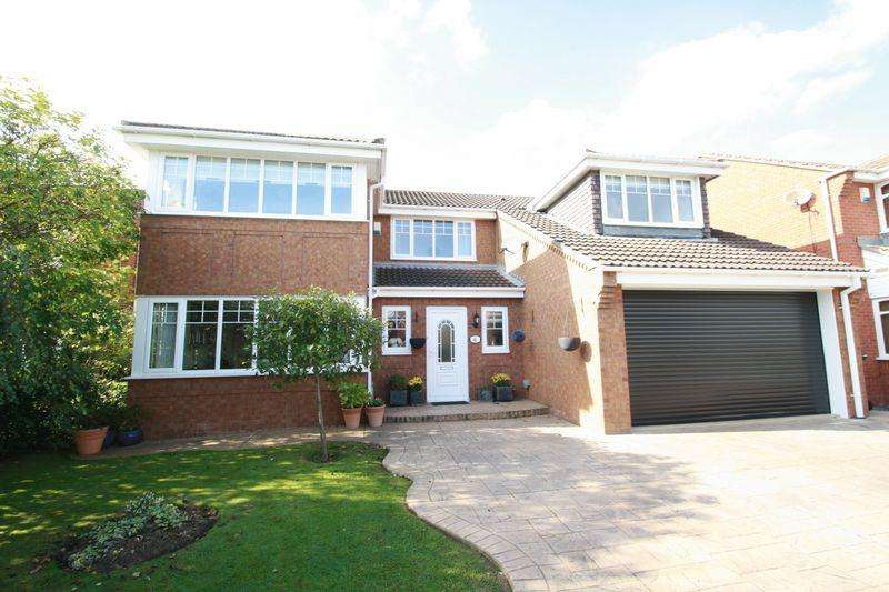 4 Bedrooms Detached House for sale in Clover Court, Stockton, TS19 8FQ