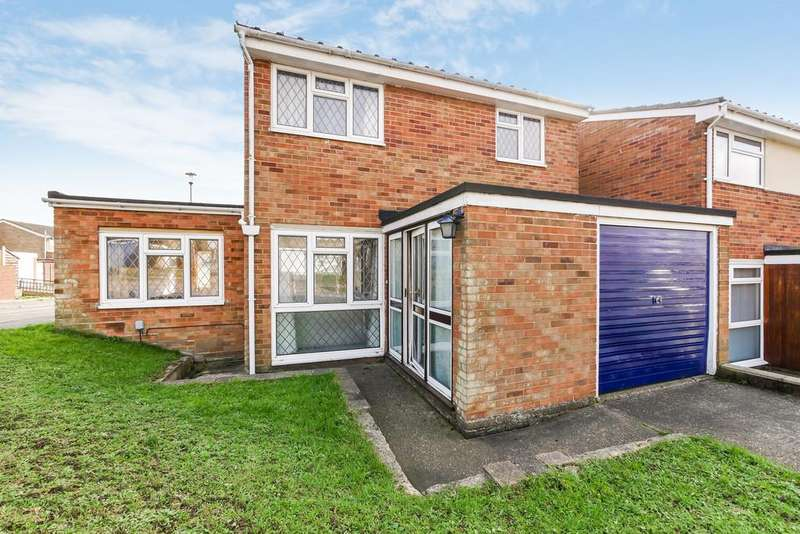 3 Bedrooms Detached House for sale in Sheldrake Drive, Ipswich