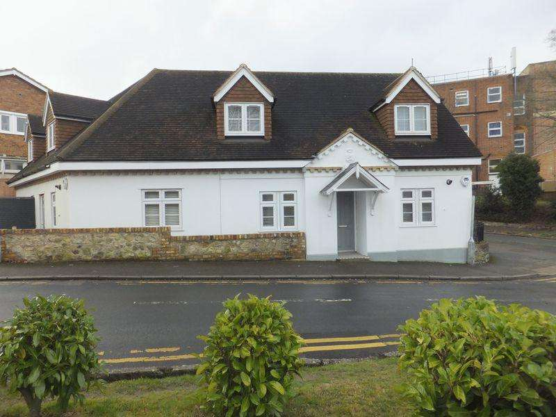 3 Bedrooms Detached House for sale in Hillingdon Avenue, Sevenoaks