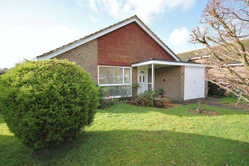 3 Bedrooms Detached Bungalow for sale in Willow Close, Storrington