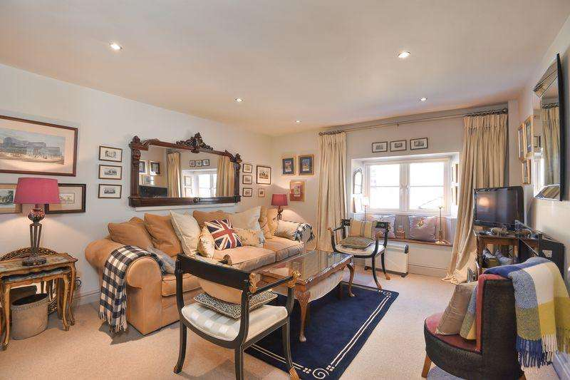 2 Bedrooms Terraced House for sale in St James Street, South Petherton