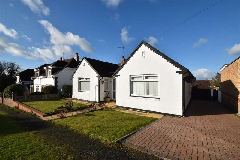2 Bedrooms Detached Bungalow for sale in Rose Avenue, Droitwich Spa