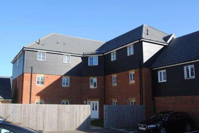 2 Bedrooms Flat for rent in Carter Close, Hawkinge