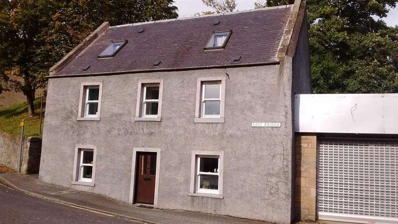 4 Bedrooms Semi Detached House for sale in East Bridge, Cupar, Fife