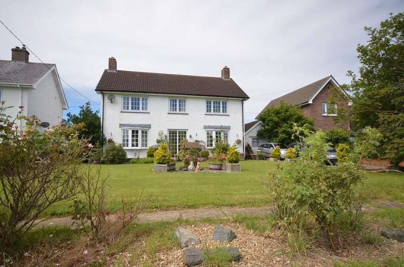 3 Bedrooms Detached House for sale in Glanfread Lane, Llandre