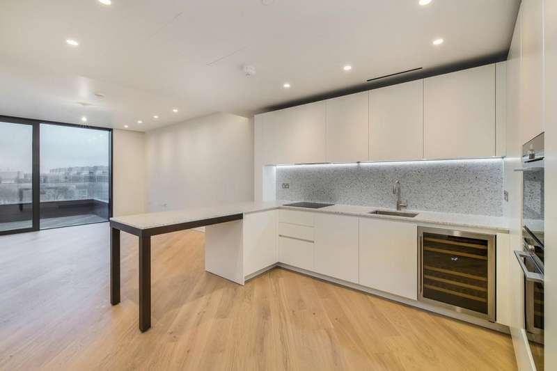 2 Bedrooms Flat for rent in Wood Lane, London, W12