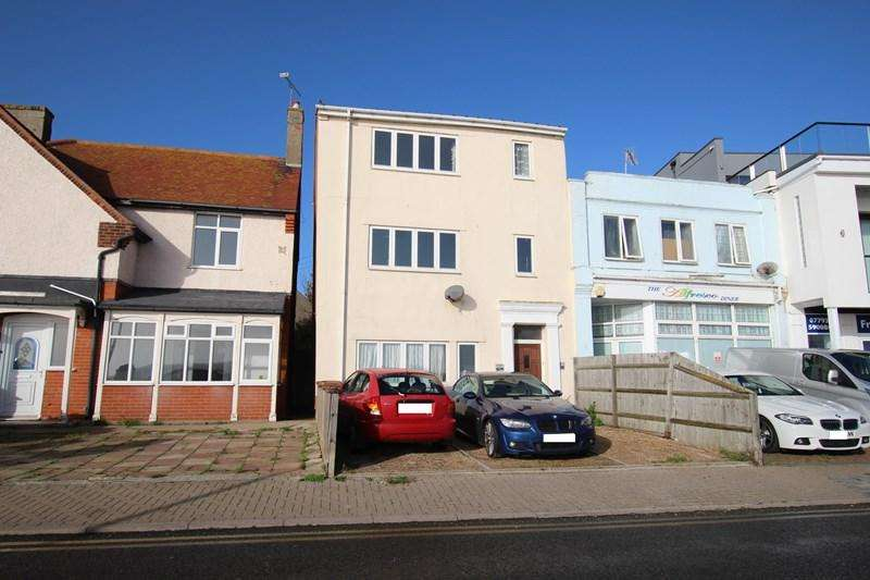 3 Bedrooms Apartment Flat for sale in The Parade, Walton on the Naze