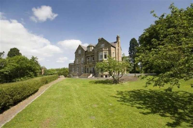 5 Bedrooms Town House for sale in Argoed Hall, Llangollen
